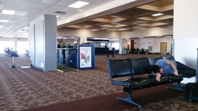 旅の空の下から -セドナ編㊶-セドナ空港
