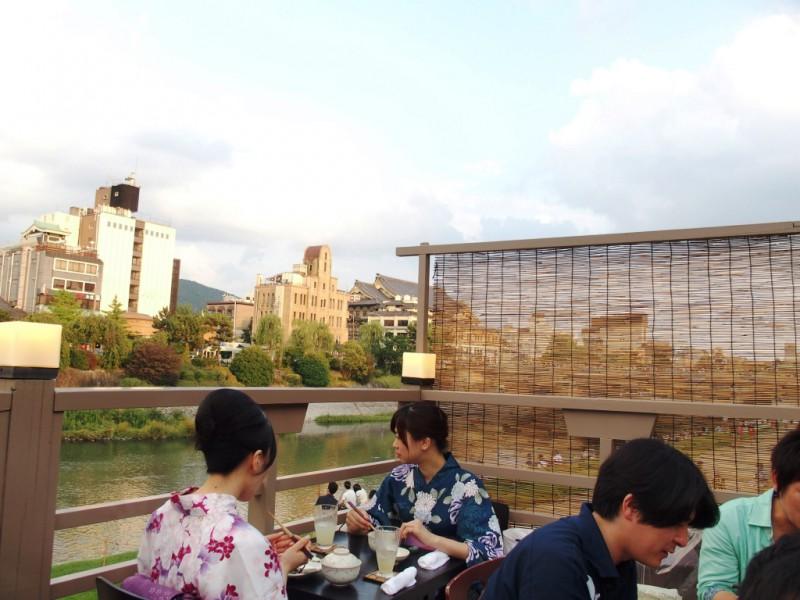 宿坊へ泊まろう! 京都への旅 Vol.4 京都 先斗町の川床でお食事