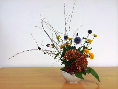 お花のある生活。秋の花を活ける