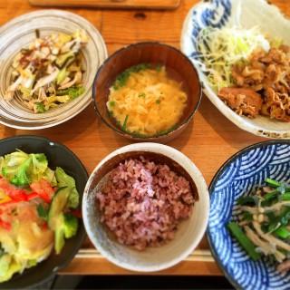 東京神田錦町 「鹿屋アスリート食堂」で身体に効くランチ!