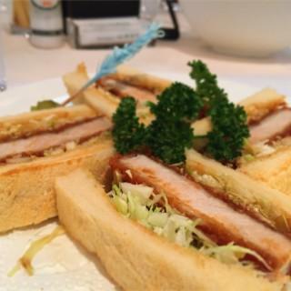 東京上野 フォレスティーユ精養軒(東京文化会館内) 明治5年創業の老舗の味は安定の美味しさ