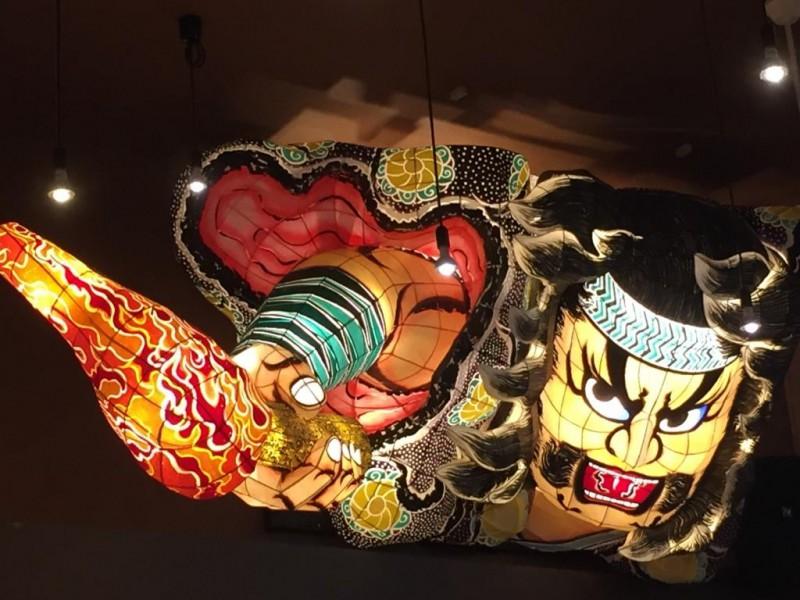 新青森駅 北の玄関口の「魚っ食いの 田」でん の海鮮丼のクオリティが高かった