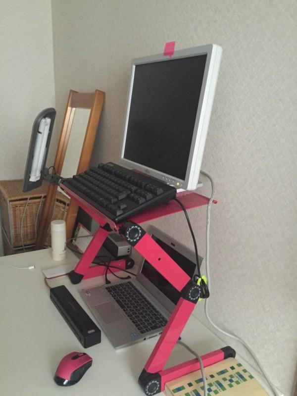 """折りたたみパソコンデスクを買って""""立ってPCワークをする""""環境に変えてみた"""