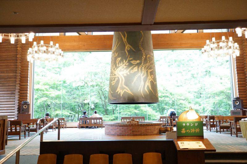 奥入瀬渓流ホテル 星野リゾート 青森の温泉宿で渓流のせせらぎで目覚める