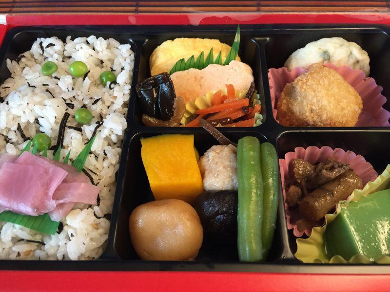 京都駅 駅弁「京のおばんざい」弁当:薄味の上品な味、おかずの種類が多くて彩りあざやか