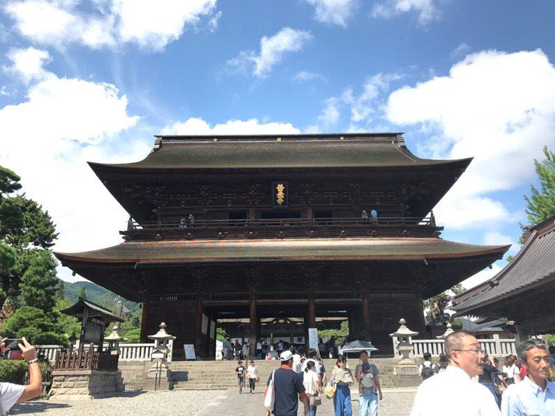 長野 善光寺 山門の回廊の一般開放は2017/7/22〜2017/9/30まで